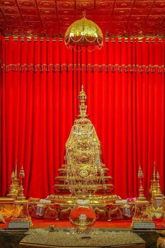 เชิญร่วมบุญซื้อสีทอง TOA ทาเจดีย์ที่ประดิษฐาน พระบรมเกศาธาตุ
